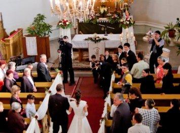Cauta? i un om catolic de nunta