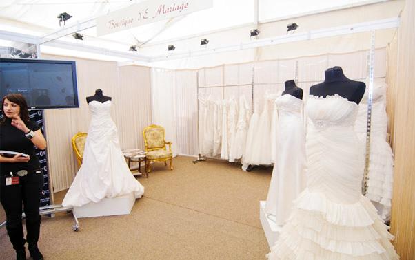 Stand rochii de mireasa E-Mariaj toamna 2011